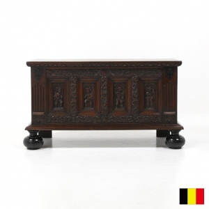 カーブドコファ Carved Four Panel Coffer